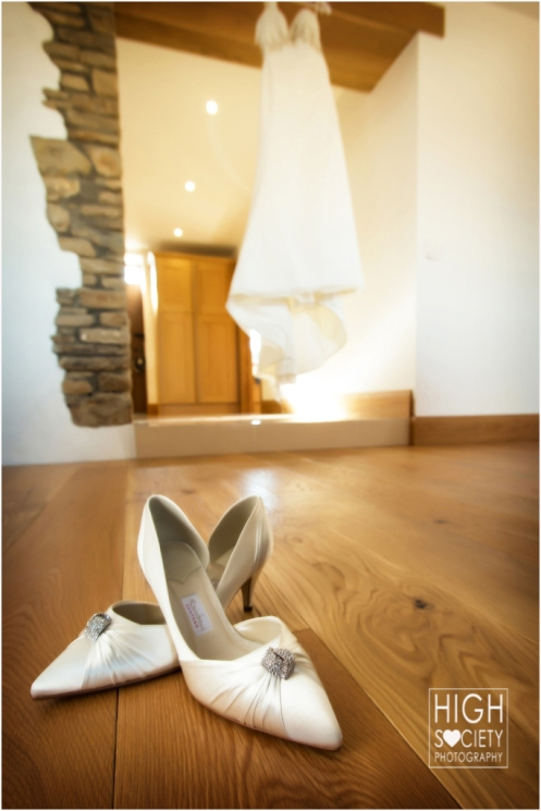 the wedding photography of catrin and kevin at the cawdor hotel an aberglasny gargen
