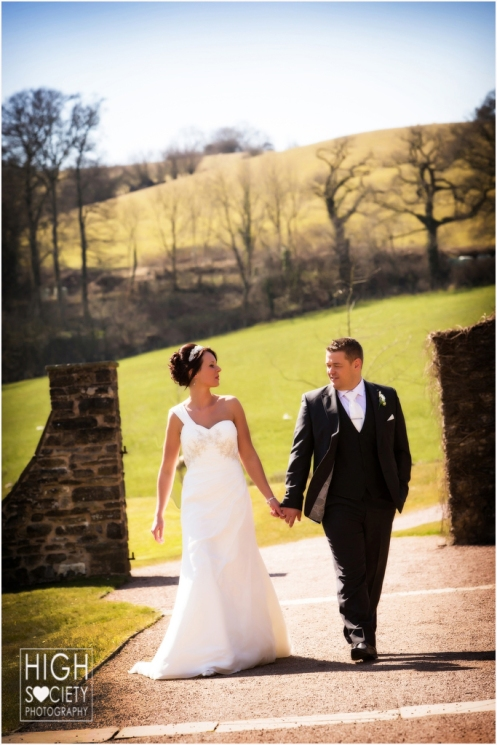 the wedding photography of catrin and kevin at the cawdor hotel and aberglasny gardens