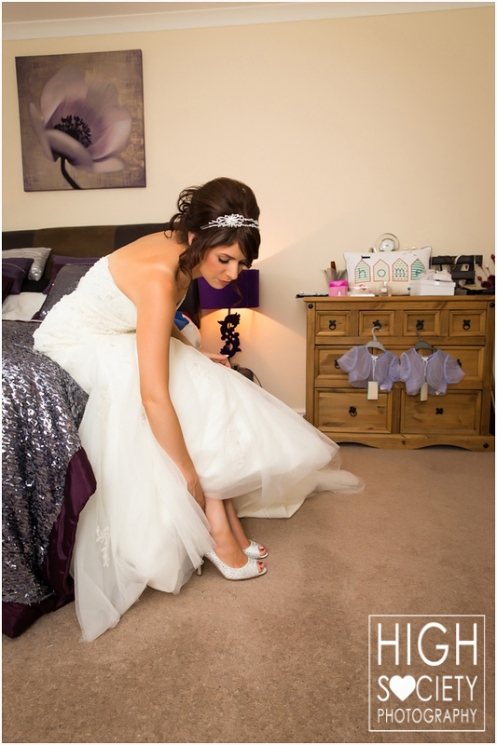the-plough-hotel-llandeilo-wedding-of-alison-and-mark-002